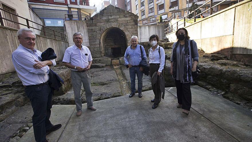 El grupo de la Unesco pide un acceso a Santullano por la Fábrica de Gas y La Vega