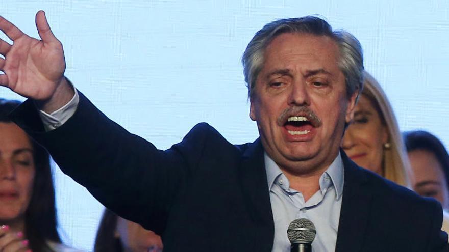 La Bolsa y el peso argentino se hunden tras el triunfo del peronismo en las primarias