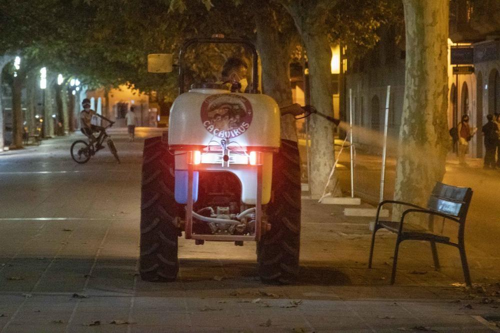 Desinfectan las calles de Santa Maria por el brote de coronavirus
