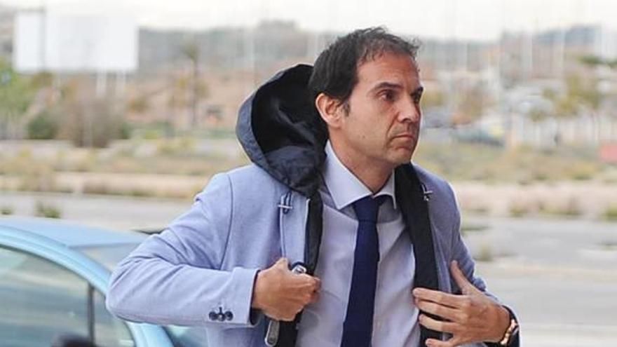 Daniel Moreno, de asesor de Víctor Gálvez a las oficinas del Real Murcia