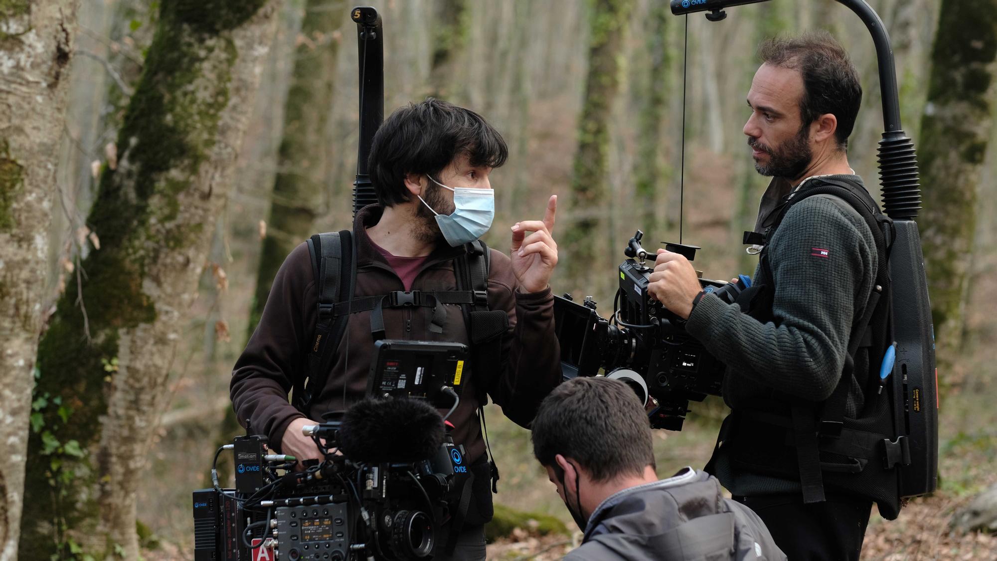 Miguel Eek finaliza el rodaje del documental 'Hombres nuevos', sobre las nuevas masculinidades