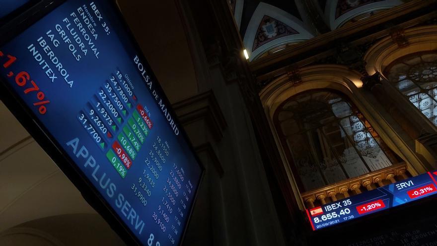 La Bolsa española se sobrepone a Evergrande y abre con un alza del 0,64%