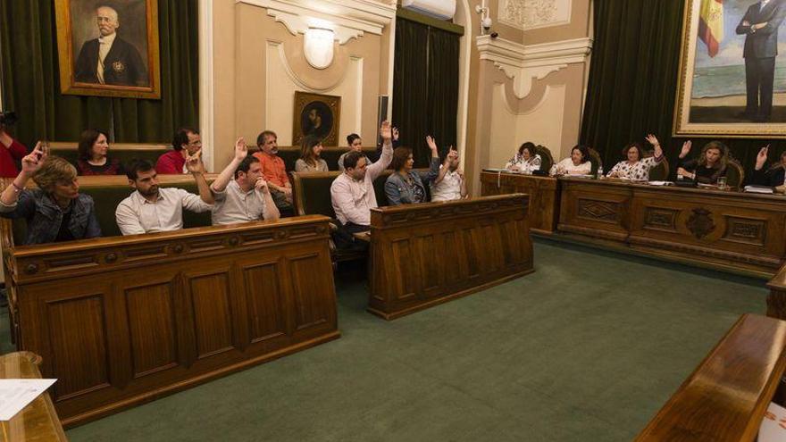 Lafuente opta a la polémica plaza que ocupa desde febrero