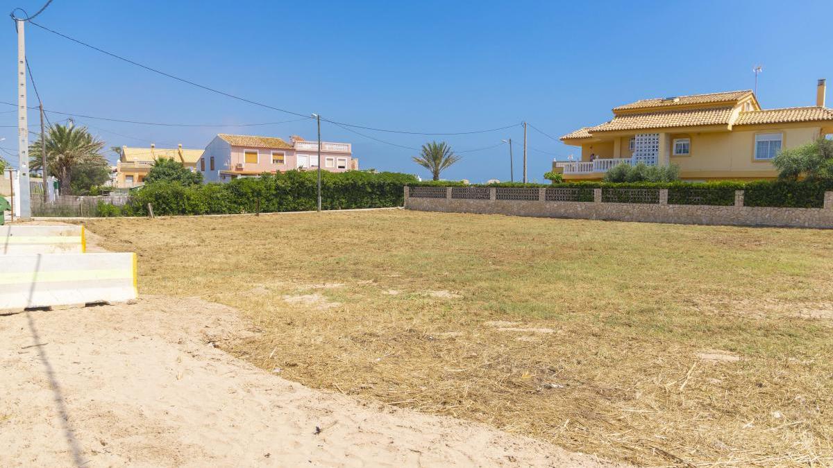 Cullera crea cien nuevas plazas de aparcamiento en el Marenyet y l'Estany