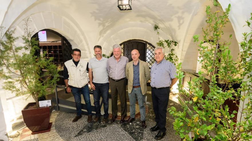 El Jardín Canario echa raíces en la Casa del Turismo