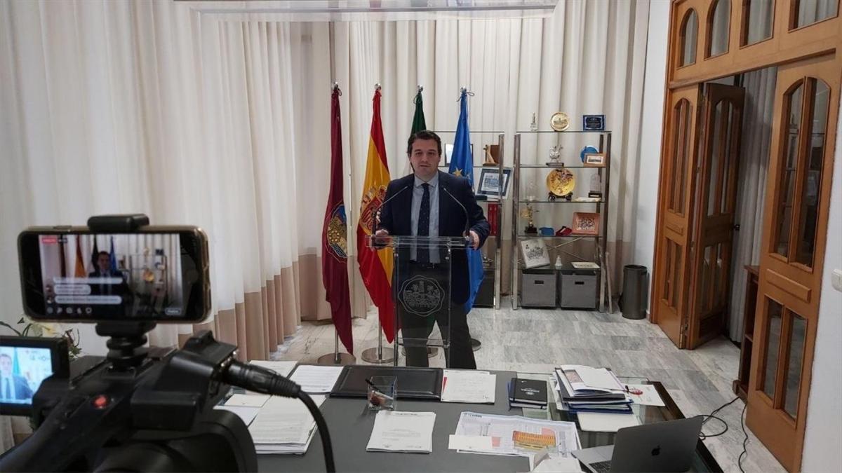 Coronavirus en Córdoba: el Ayuntamiento comprará 300.000 mascarillas para entregar en los domicilios