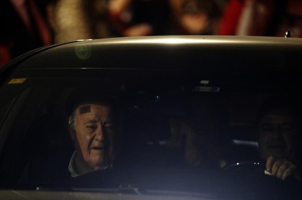 Amancio Ortega a su llegada al Real Club Náutico de A Coruña.