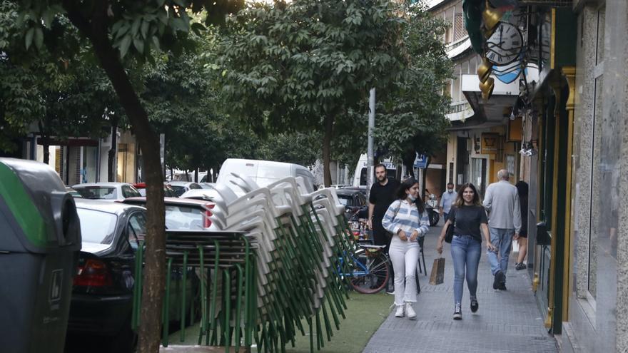 El Ayuntamiento de Córdoba retira veladores de Camino de los Sastres