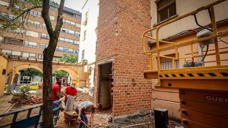 40 edificios incorporan ascensor exterior en el primer semestre en Badajoz