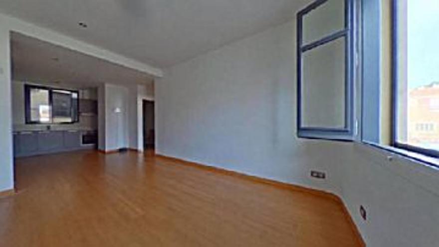 121.030 € Venta de piso en Manresa, 2 habitaciones, 1 baño...