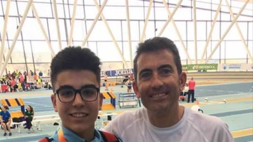 Andrés Palma, medalla de plata en el Campeonato de España sub-16 en pista
