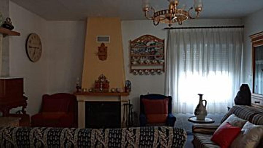 118.000 € Venta de casa en Algezares, La Alberca, Santo Ángel (Murcia) 80 m2, 1 habitación, 2 baños, 1.475 €/m2...