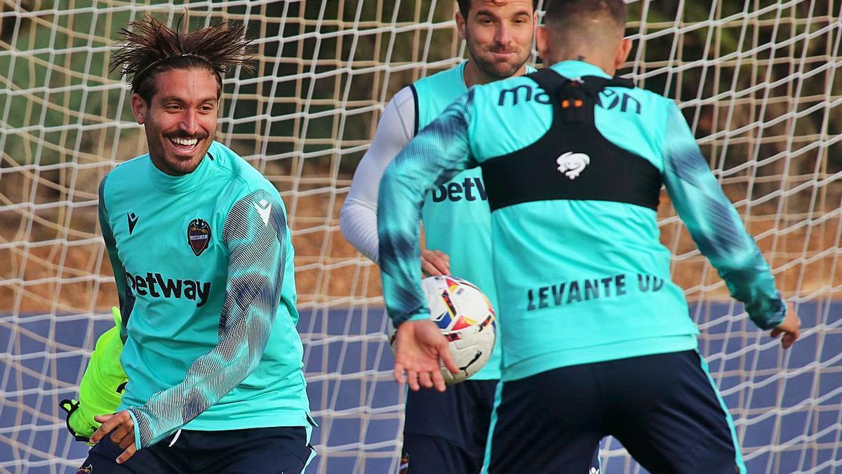 José Campaña, en un entrenamiento reciente con el Levante UD.