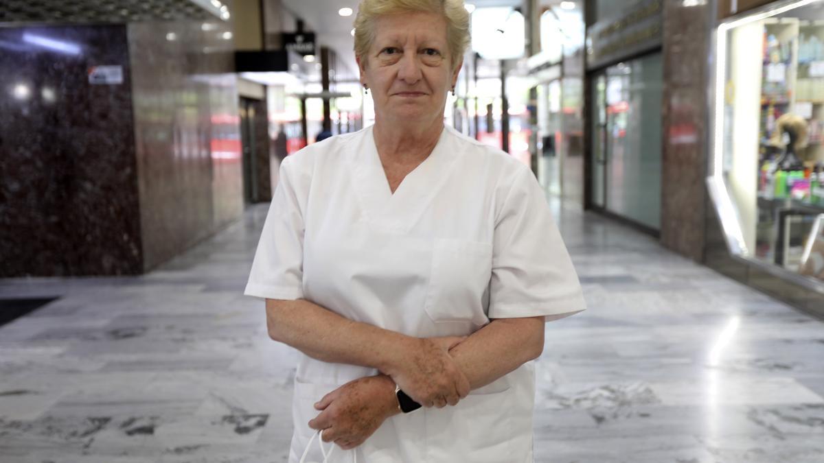 Concepción Ferrer, presidenta del Colegio Oficial de Médicos de Zaragoza, posa ante las cámaras de este diario.