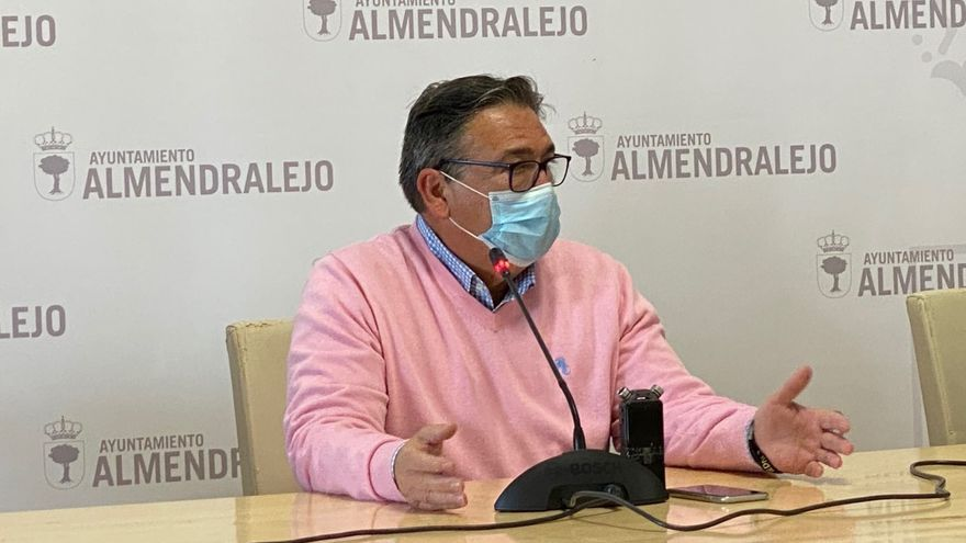 Ramírez garantiza el transporte escolar a los alumnos del Ortega