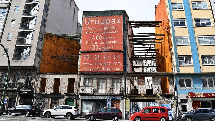 Concello y Patrimonio aprueban la obra de tres edificios en Cuatro Caminos tras años de ruina