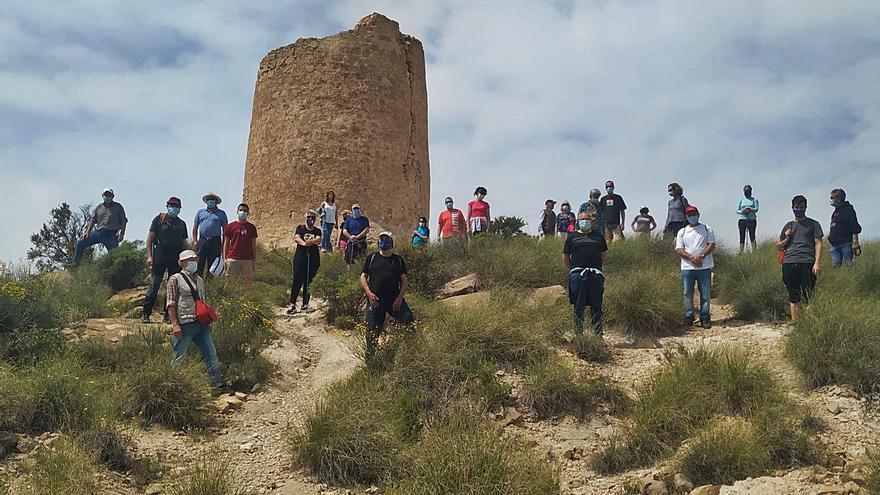 Urgen frenar el deterioro de la Torre de Reixes en El Campello