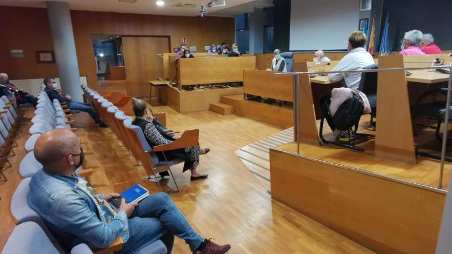 San José-Siel Vigo firmó ya el contrato para la renovación de alumbrado exterior de Cangas