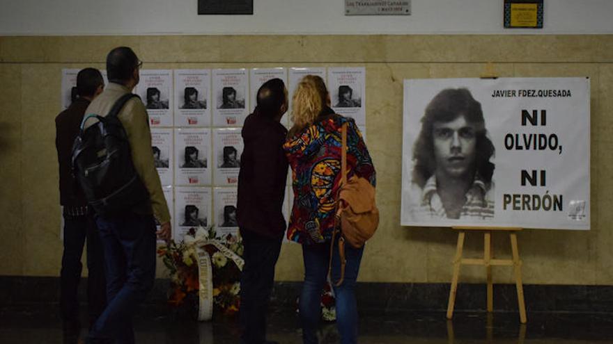 Alumnos de La Laguna recuerdan al estudiante grancanario Fernández Quesada