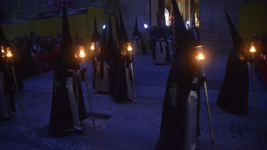 La tormenta respeta la procesión del Silencio de Cartagena