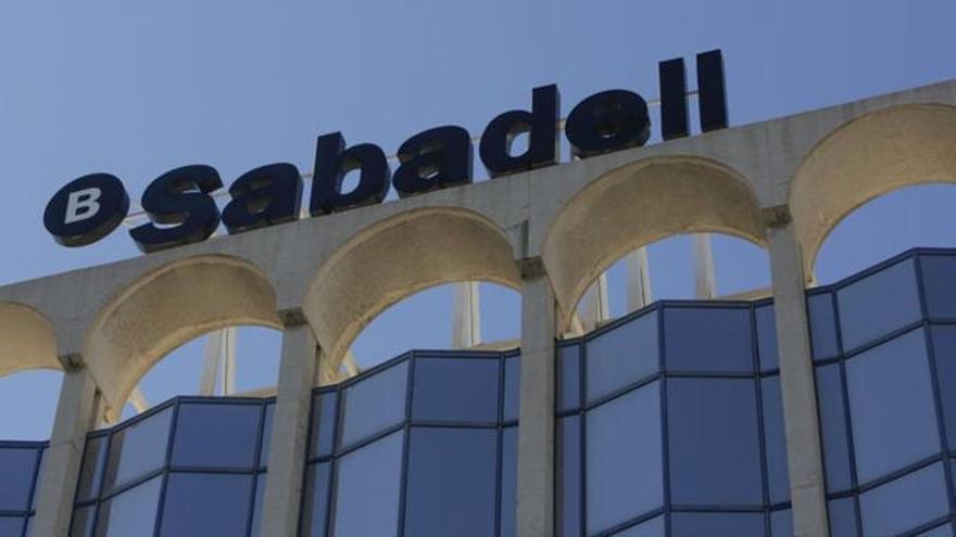 Banco Sabadell se alía con Microsoft para ofrecer un servicio más personalizado y ágil a sus clientes