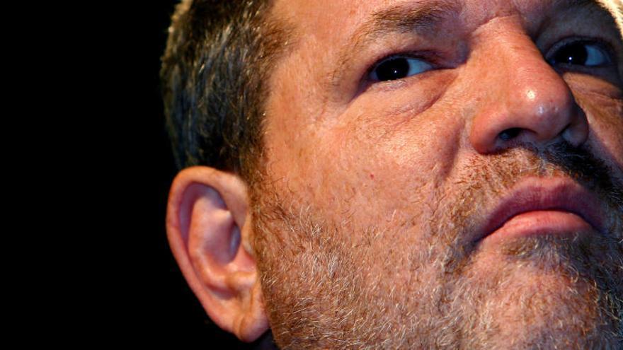 Harvey Weinstein s'entregarà avui a Nova York
