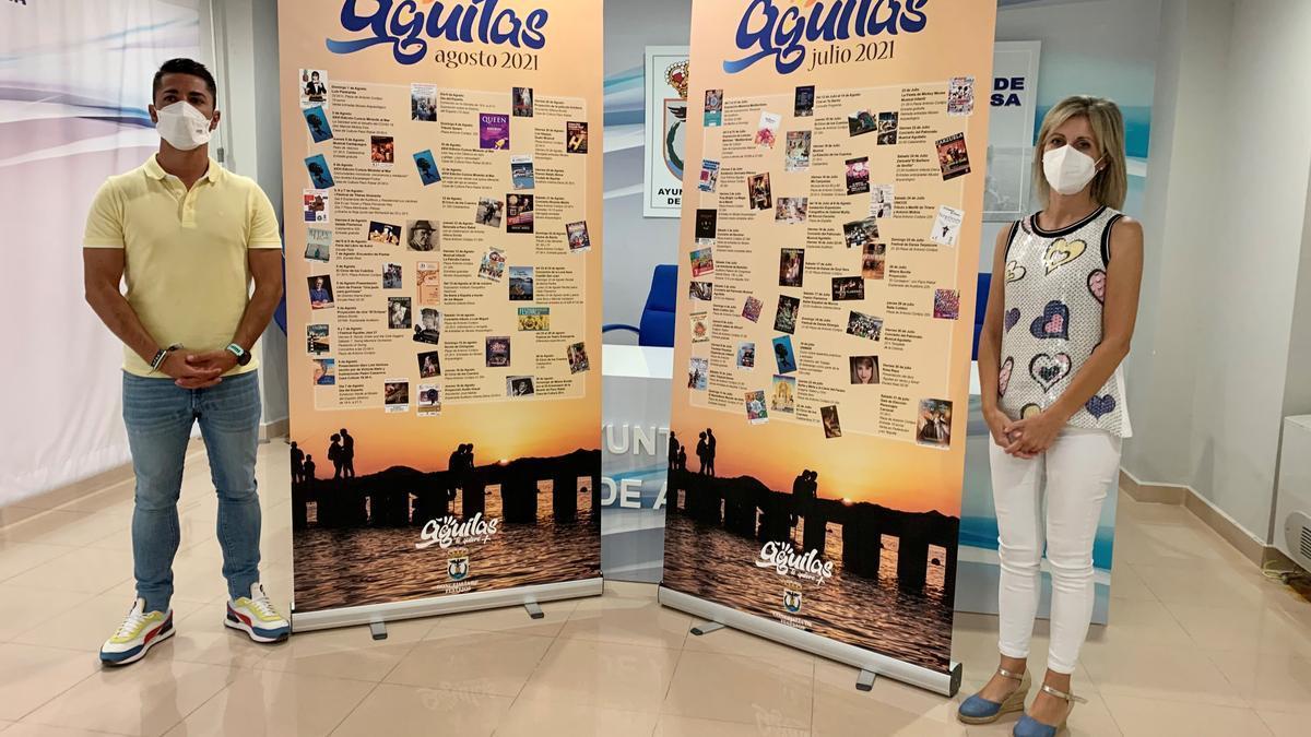Cristóbal Casado y Maido Simó presentando la programación de actos para el verano.