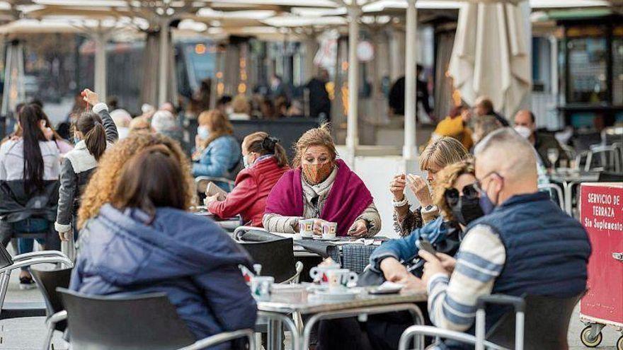 Lambán cree que la ampliación de horarios llegará la semana que viene a Zaragoza y Huesca