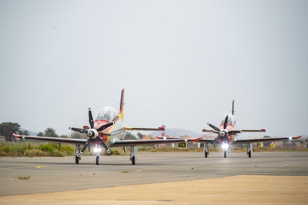 Los dos primeros aviones suizos PC-21 llegan a la AGA