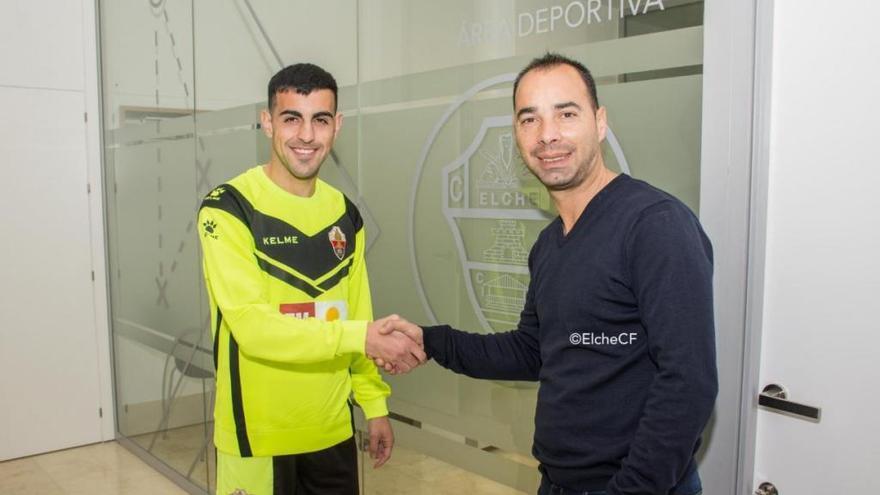 Carlos Castro, exjugador del Real Mallorca, ya viste de franjiverde
