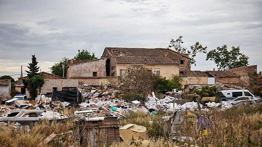 Emaya estima que la limpieza del vertedero de Son Güells costará más de 100.000 euros