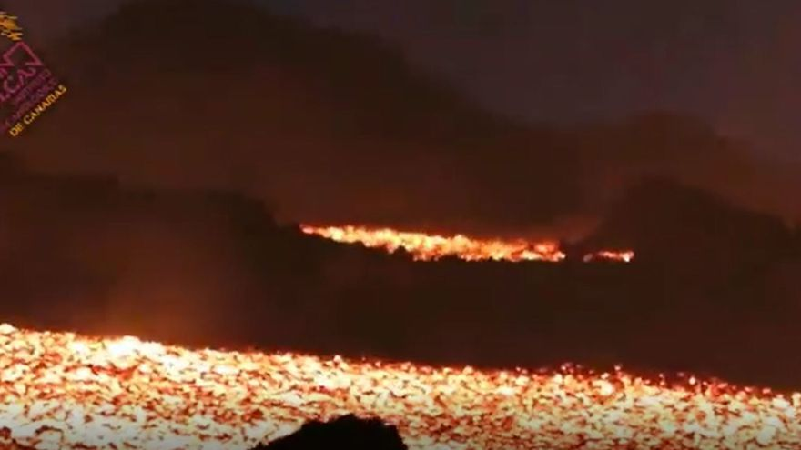 Vista de la lava del volcán de La Palma desde Las Manchas.