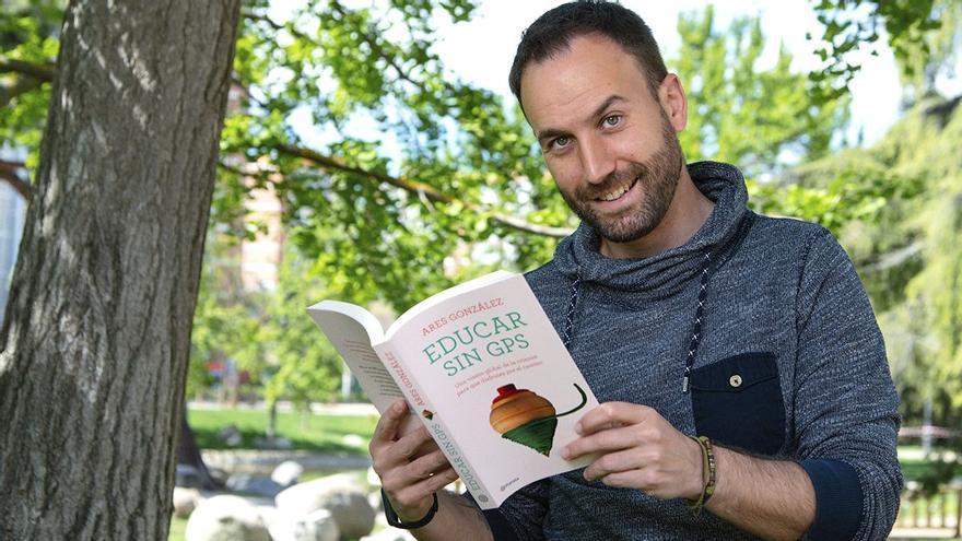 'Educar sin GPS', el libro del maestro Ares González