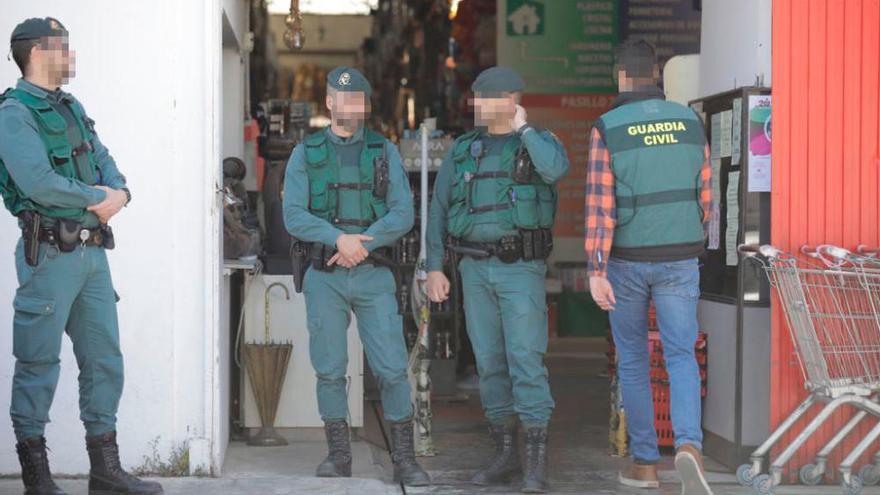 Polizei führt auf Mallorca Razzia gegen Krimskrams-Läden durch