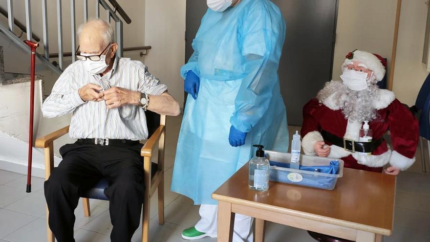 Batiste Martí, 81 años y primer vacunado de coronavirus en la Comunitat Valenciana