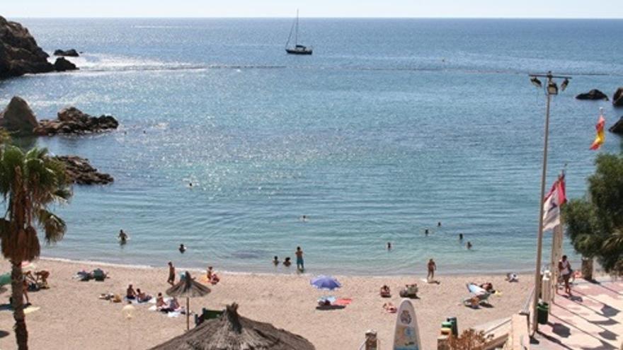 Intentan secuestrar a una joven en la playa de Cala Cortina este fin de semana