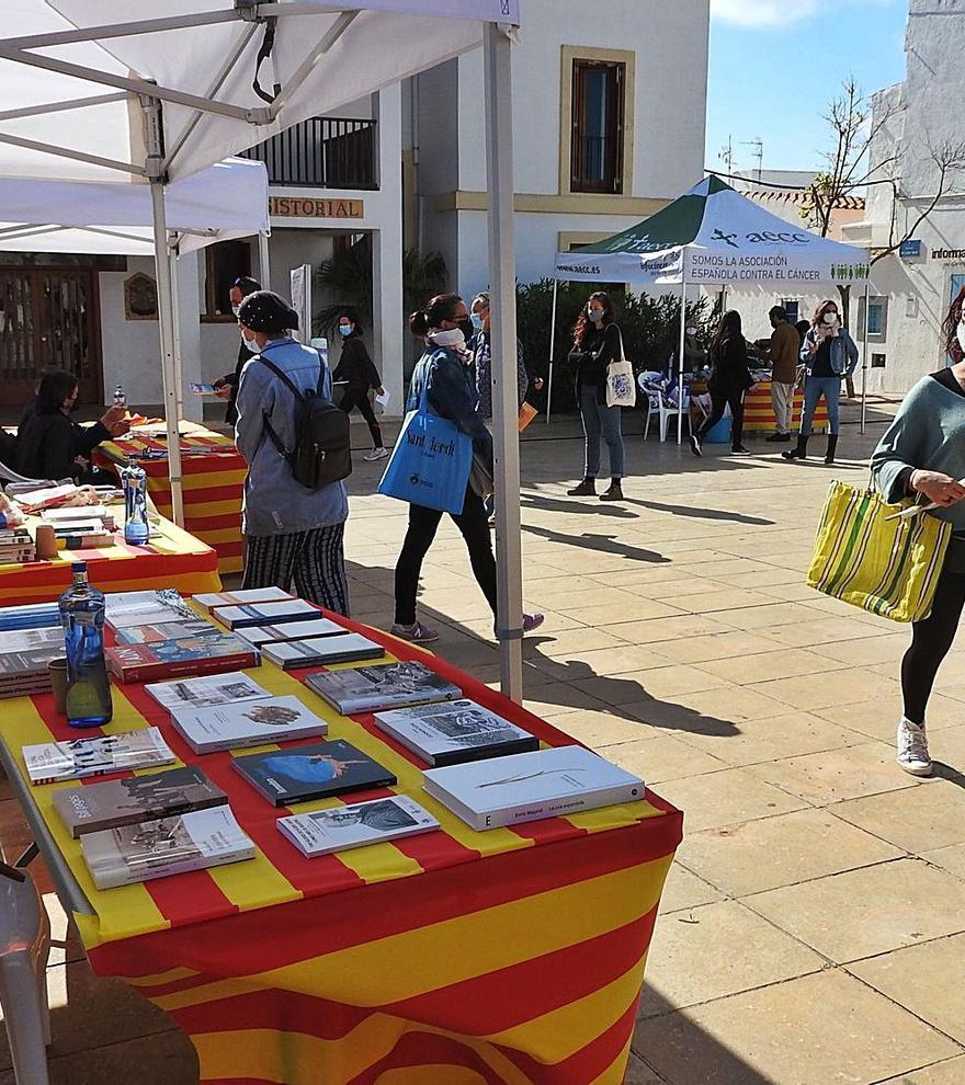 El teatro y el cómic formenterense local triunfan por Sant Jordi