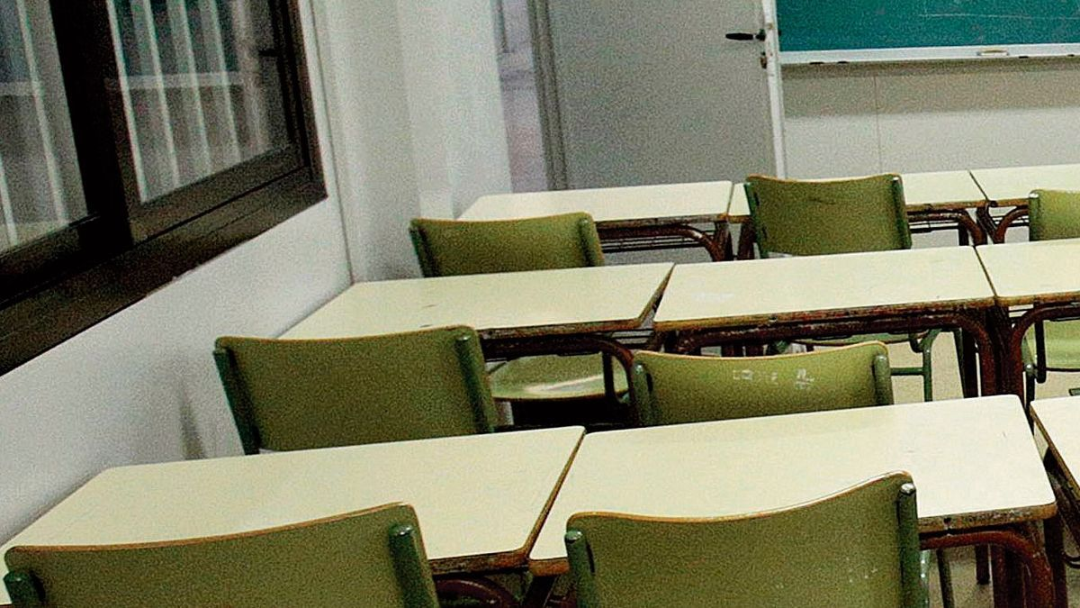 Educación plantea la necesidad de hablar sobre el suicidio en las aulas a los estudiantes. | DAVID REVENGA