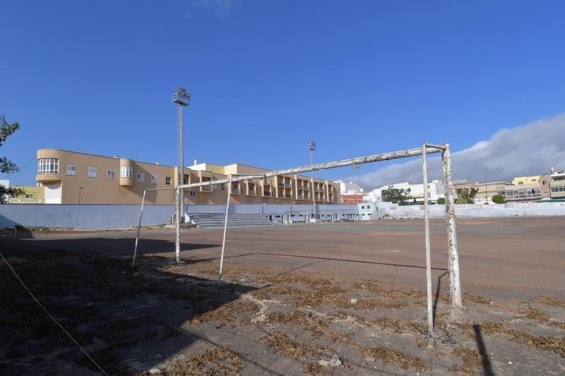 Total abandono del antiguo campo de futbol del Club de Futbol Union Carrizal