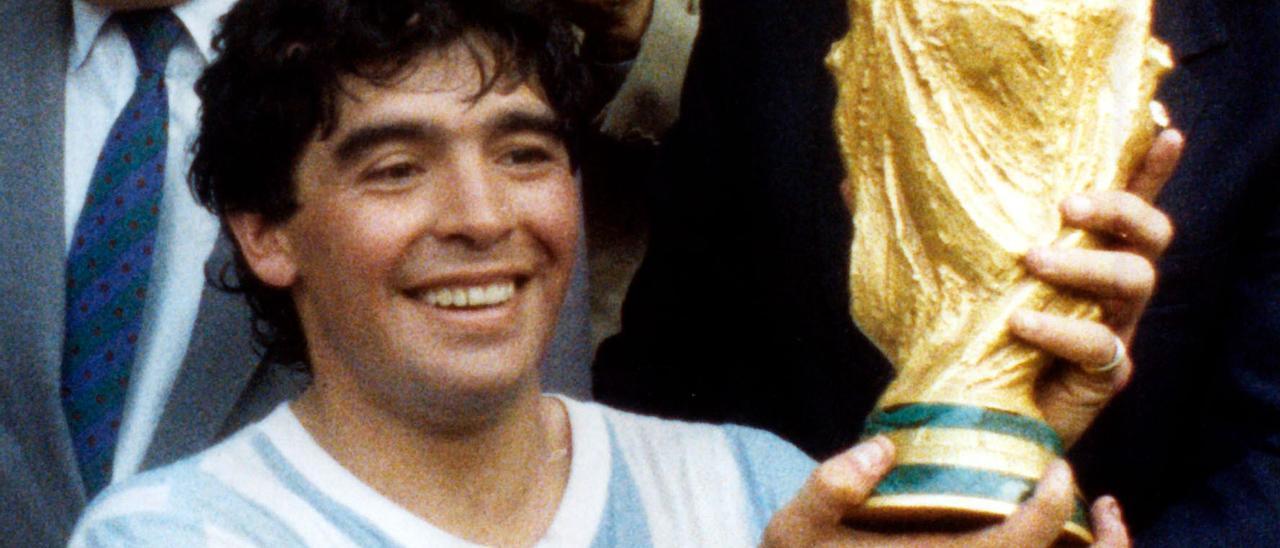 Maradona, tras proclamarse campeón del mundo en 1986. | Europa Press