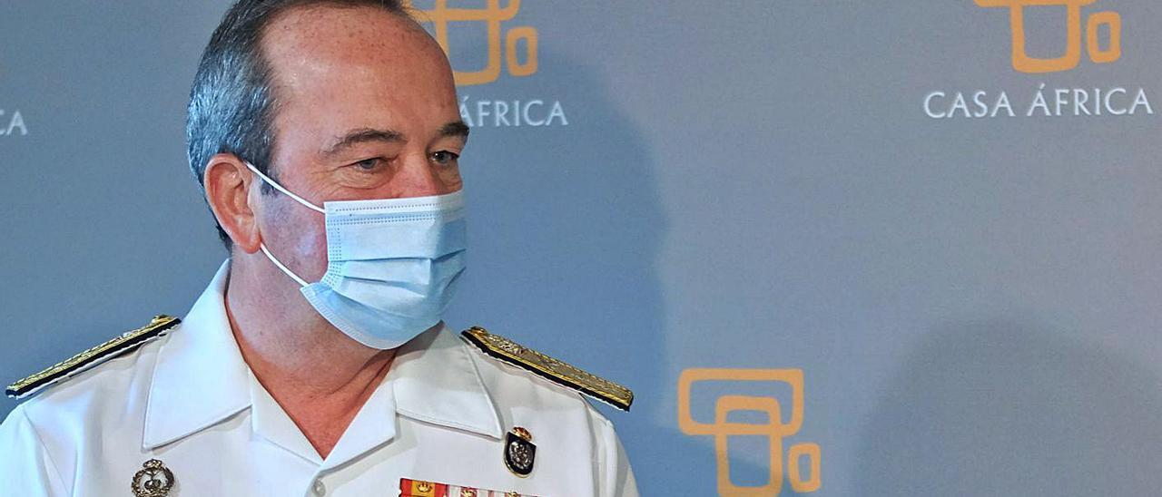 El vicealmirante Juan Luis Sobrino en Casa África.