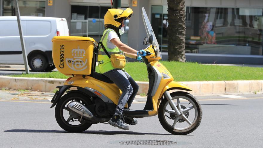 Correos abre sus bolsas de empleo en la Región para cubrir 2.530 plazas