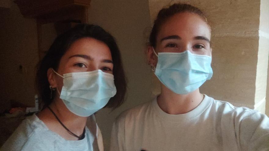 """""""Estamos vacunadas, nos hicimos una PCR antes de volar y nos han confinado en Malta"""""""