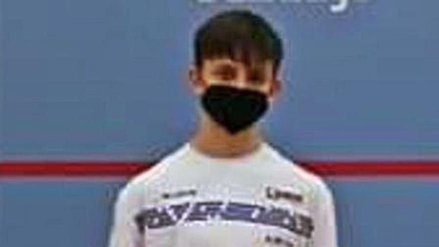 El algemesinense Revert, segundo en el nacional de Sub-17 de squash con 15 años