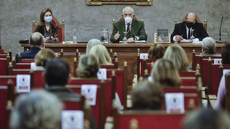 Ureña presenta en el RIDEA su libro sobre bibliotecas asturianas del XIX