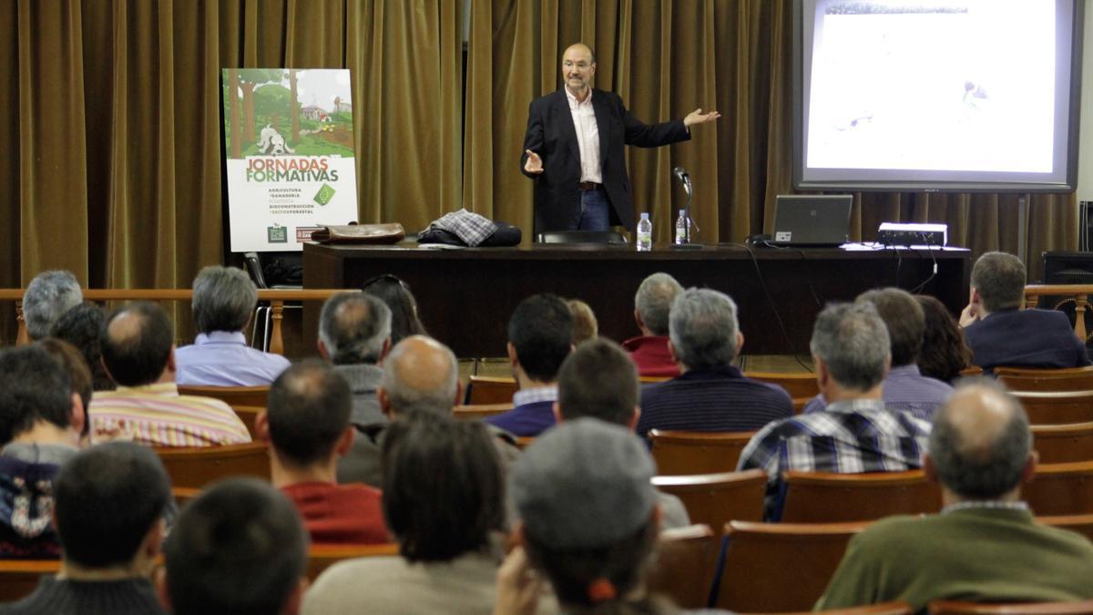Carlos Lacasta durante unas jornadas en Zamora