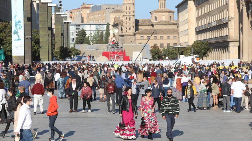 Zaragoza no recibe ni la mitad de turistas para el Pilar que en 2019