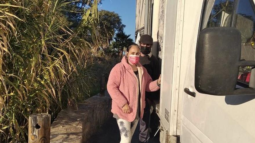 Harán llegar ayuda urgente a la familia que vive en una furgoneta