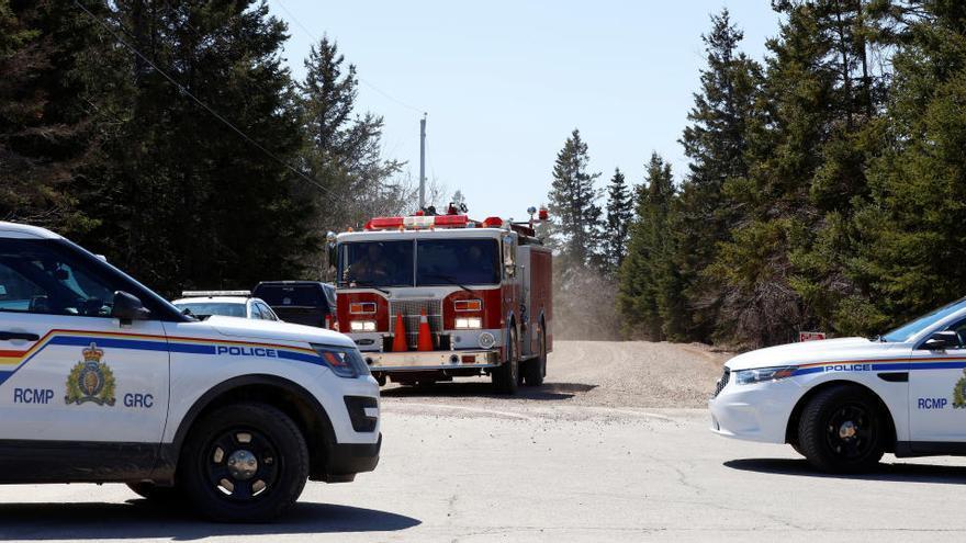 Al menos nueve muertos, incluido un policía, en un tiroteo en Canadá
