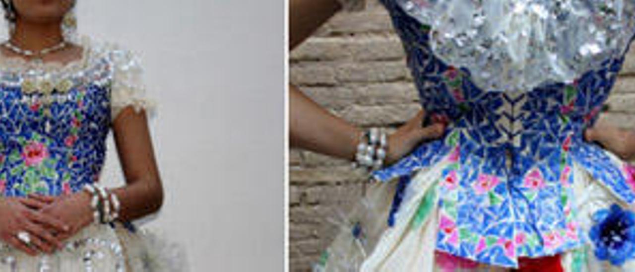 Este vestido de valenciana ha sido elaborado a partir de decenas de botellas de plástico de distintos colores, cacahuetes, pipas, latas de hojalata y gasilla, el material que utilizan los modistas para hacer patrones.